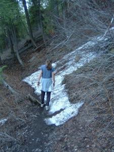 On open trails, where you encounter short stretches of snow or mud, stay in the center of the trail to help reduce trail widening.