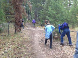 Volunteers work on Shadyside Trail.